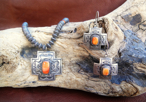 Sterling Silver And Spiny Oyster Set