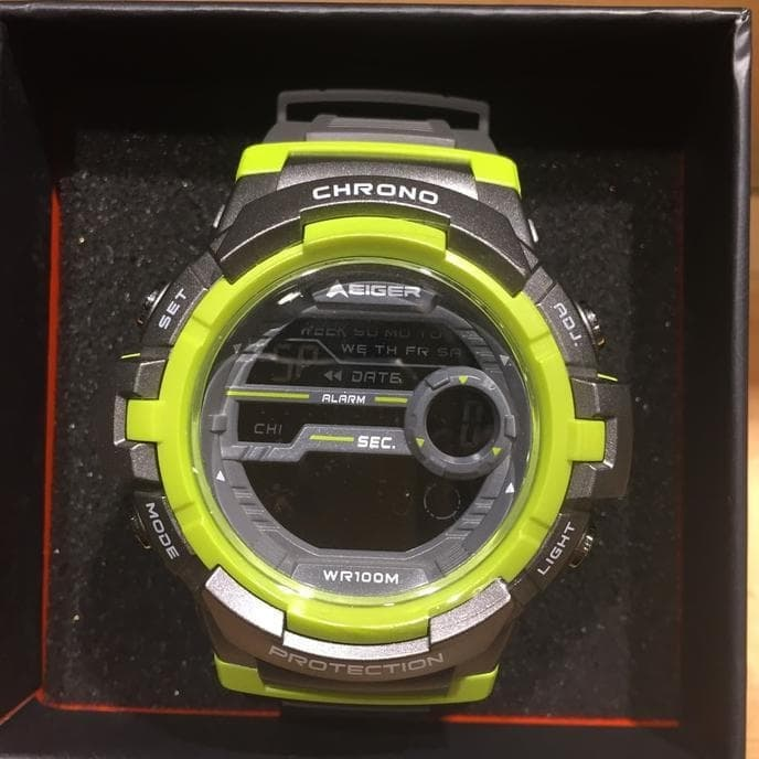 EIGER MANASLU WATCH - GREEN