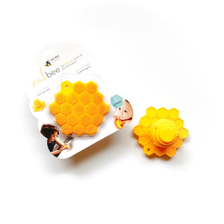 BIG BEE LITTLE BEE SCRUBEE IN PACKAGE WITH AN OPEN SCRUBEE NEXT TO IT