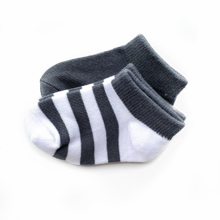 CHARCOAL SHORT SOCK TWO PACK OF STRIPE AND SOLID
