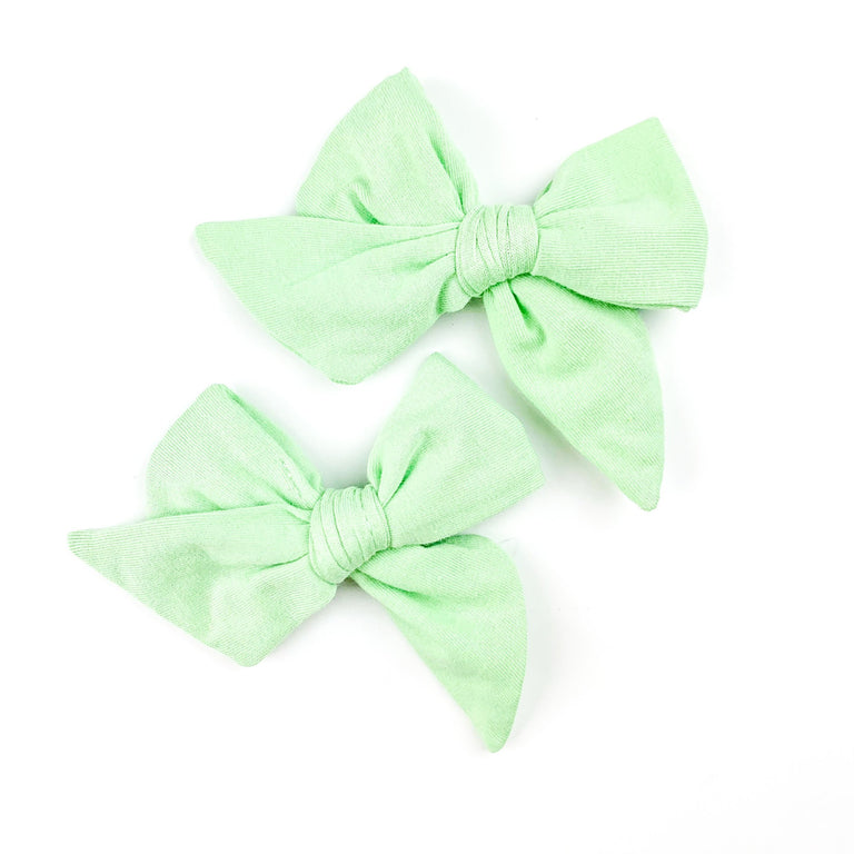 PISTACHIO EVERYDAY BOWS SET OF TWO ON CLIPS