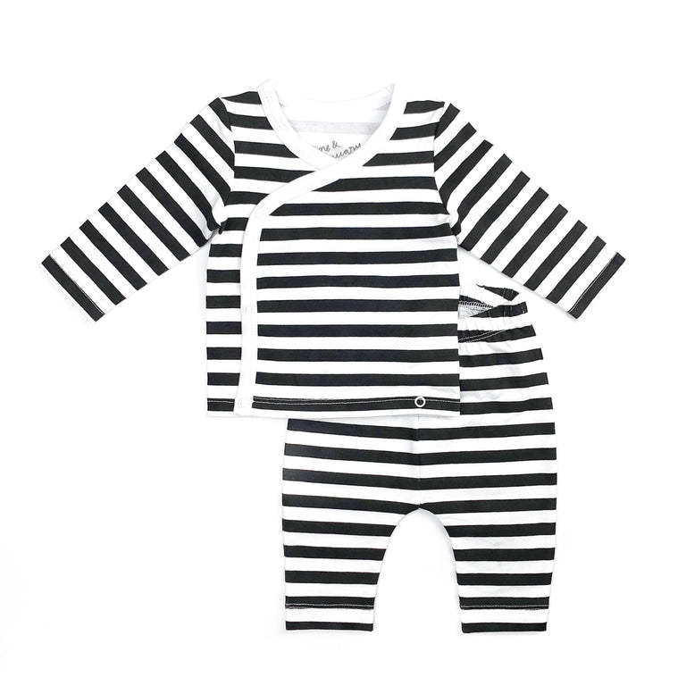 ONYX STRIPE COMING HOME SET FEATURING CROSS BODY SNAPS ON LONG SLEEVE NEWBORN TOP WITH MATCHING NEWBORN LEGGINGS WITH ELASTIC WAIST. SOLD AS A SET
