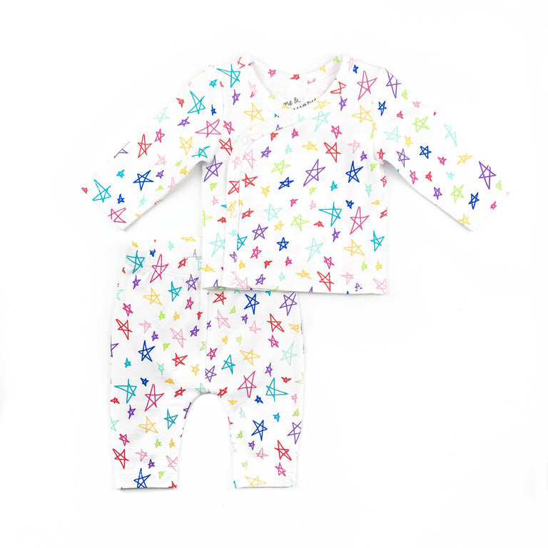 RAINBOW STAR COMING HOME SET FEATURING CROSS BODY SNAPS ON LONG SLEEVE NEWBORN TOP WITH MATCHING NEWBORN LEGGINGS WITH ELASTIC WAIST. SOLD AS A SET