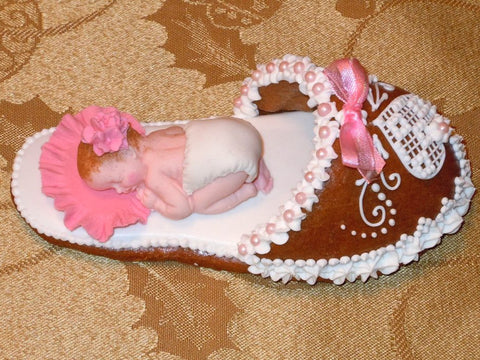Gingerbread slipper with a baby girl GBS111 5""
