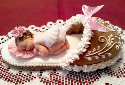 Gingerbread slipper with a baby girl GBS112 5""