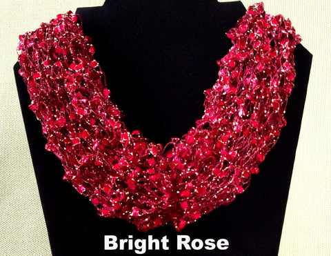 Fashion Knit Necklace - Gold Glitter