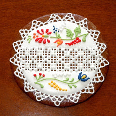 Gingerbread with Norwegian Rosemaling Pattern