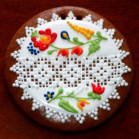 Gingerbread Circle Ornament with Norwegian Motif 3 1/2""