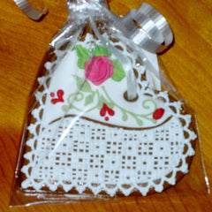 Gingerbread Heart - Wedding Favor with Lacy Pattern