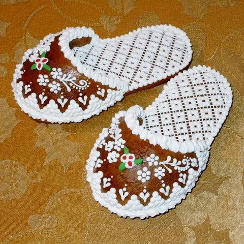 Christmas Gingerbread Slipper with Lacy Pattern A105GBL 5""