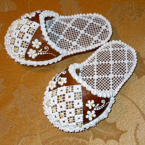 Gingerbread Slipper with Golden Pearls GBSL102 5""