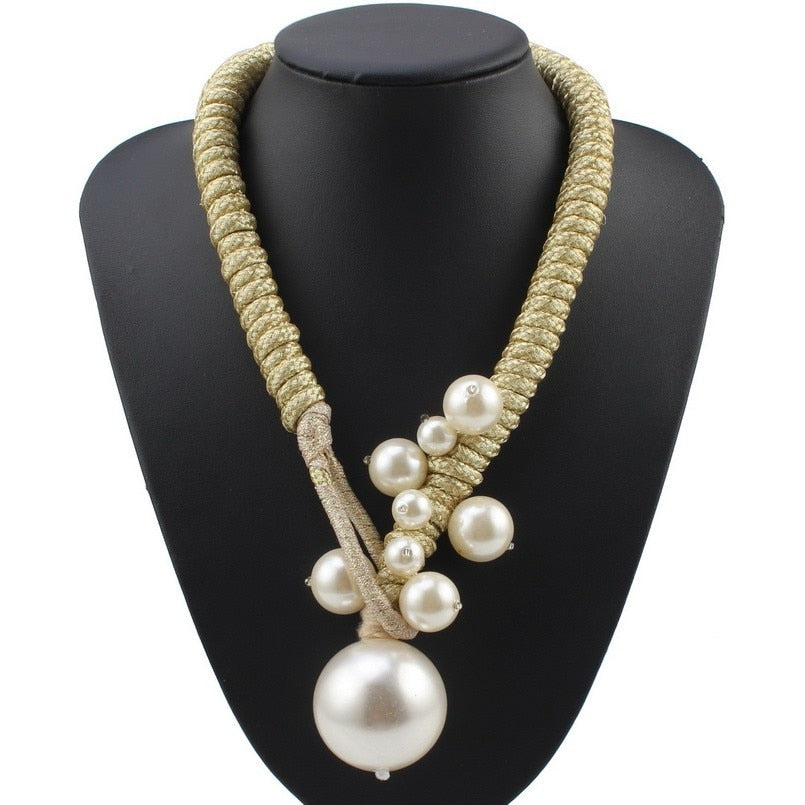 Drag Queen Big Pearl Necklace