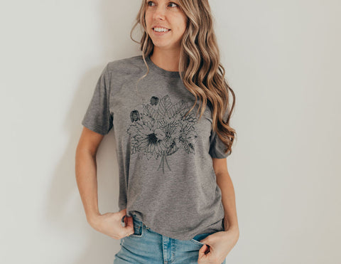 Flower bouquet grey tee