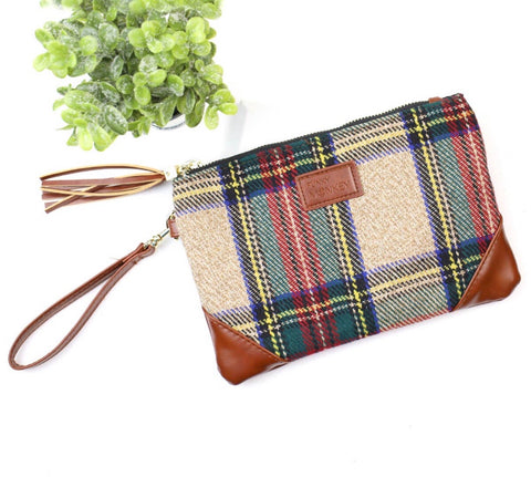 Plaid wrist clutch