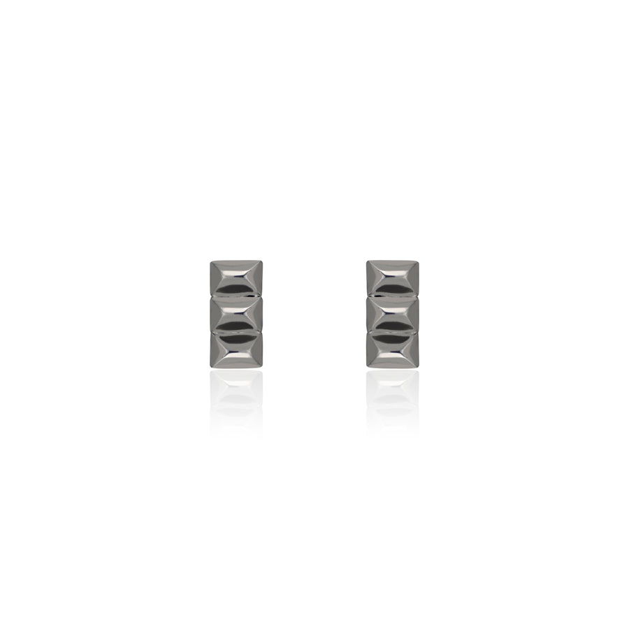 Gunmetal Sparks Fly Bar Studs