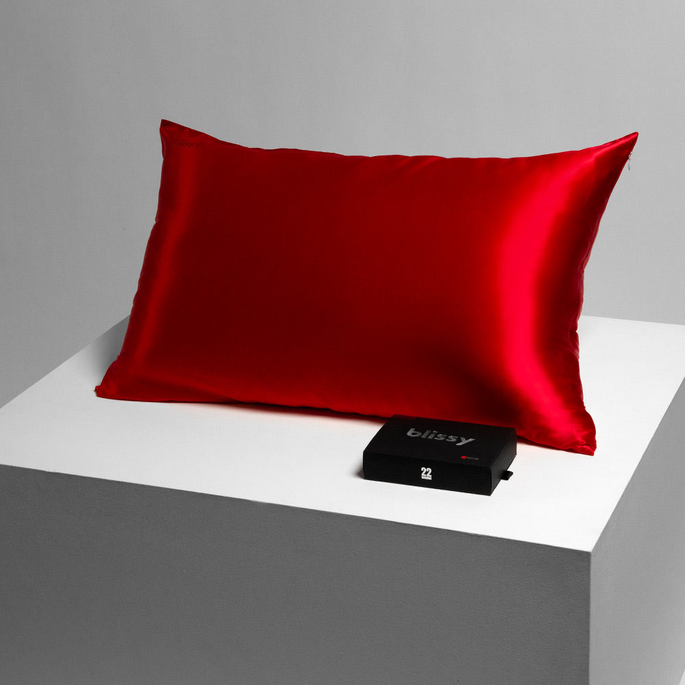 Blissy 100 Mulberry 22 Momme Silk Pillowcase Red Queen
