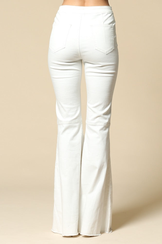 WHITE FLARED DISTRESSED BOTTOM JEAN