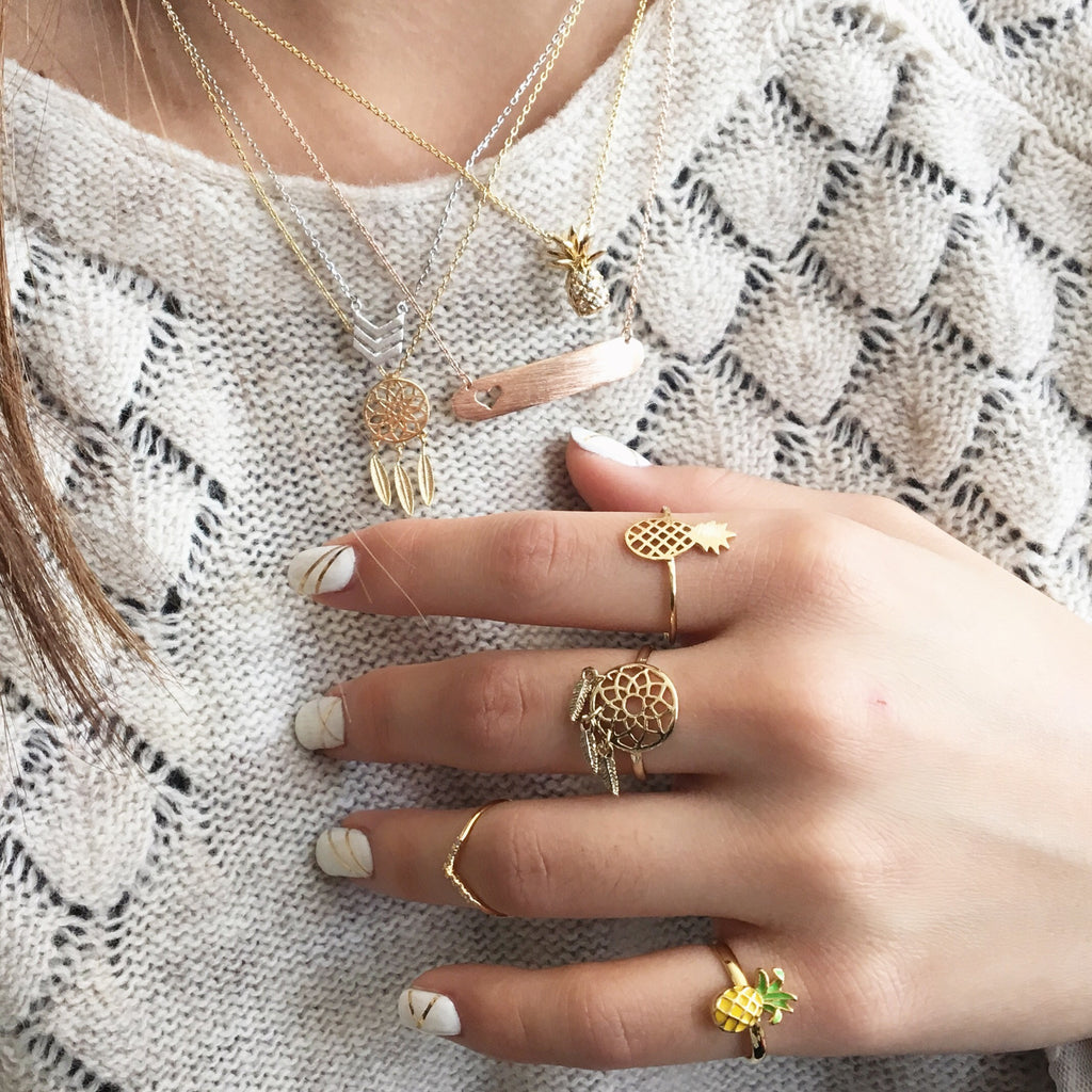 Chevron knuckle midi ring