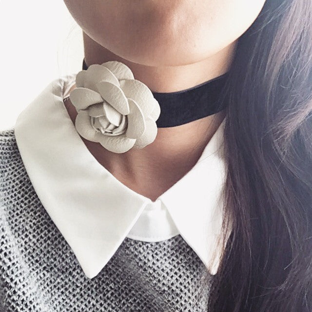 Flower choker necklace (2 colors)
