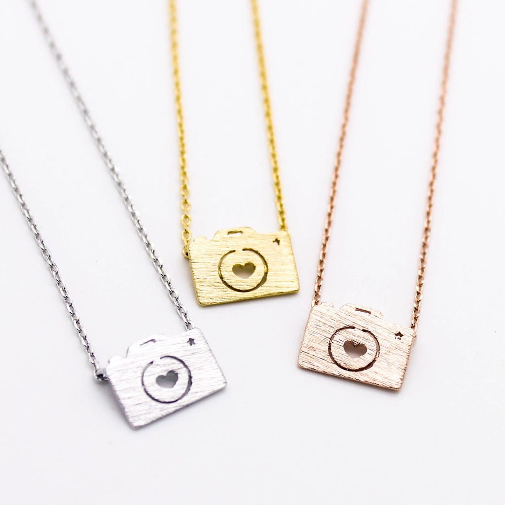 Camera necklace (3 colors)
