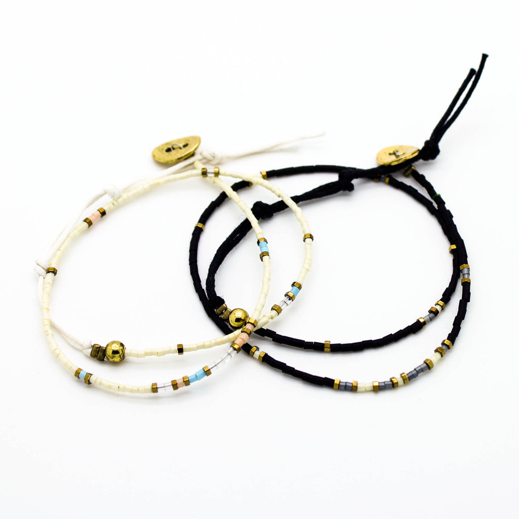 Beaded wrap bracelet (2 colors)