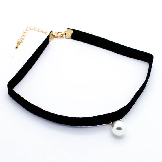 Pearl charm choker necklace