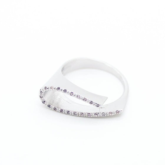 Curved line ring