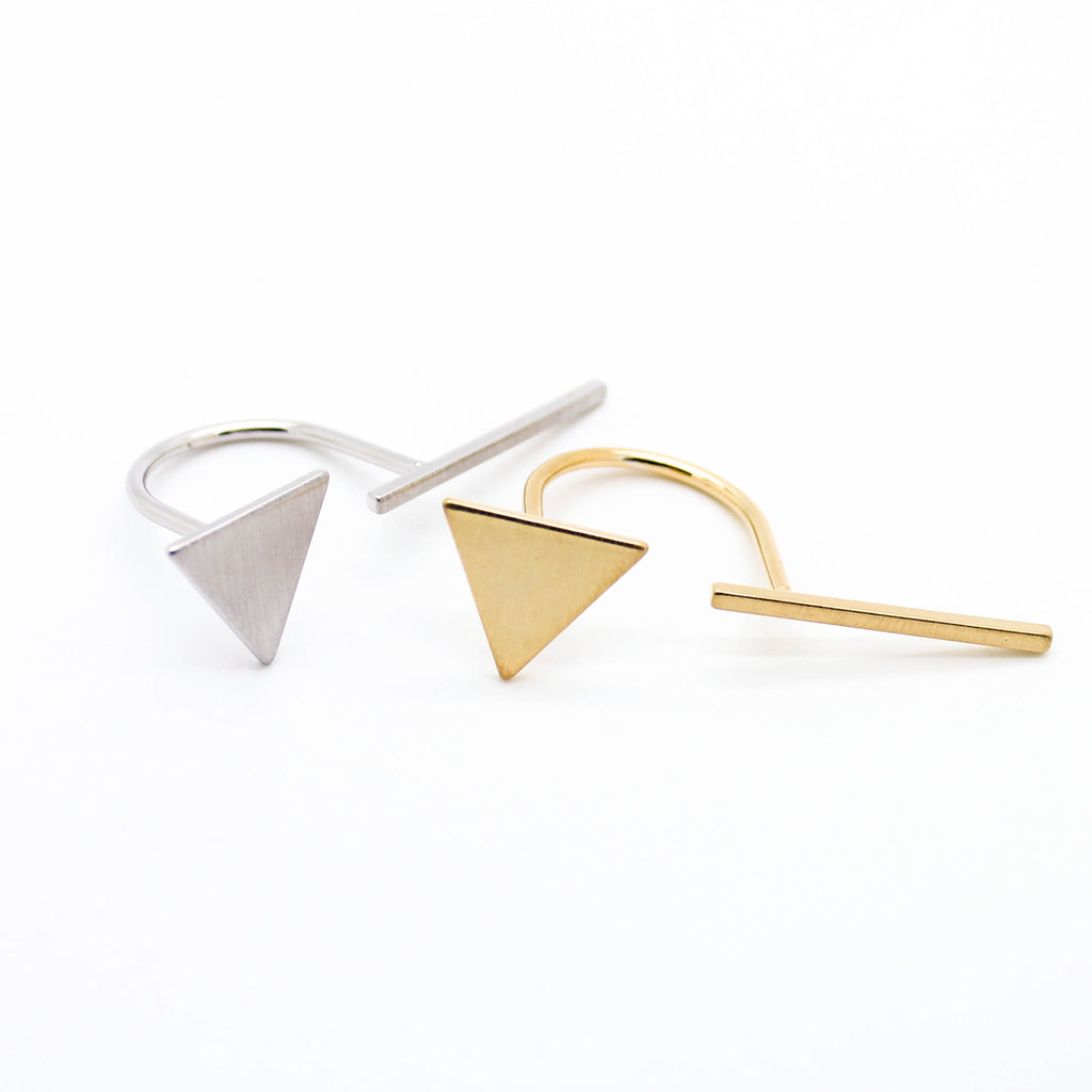 Triangle bar ring