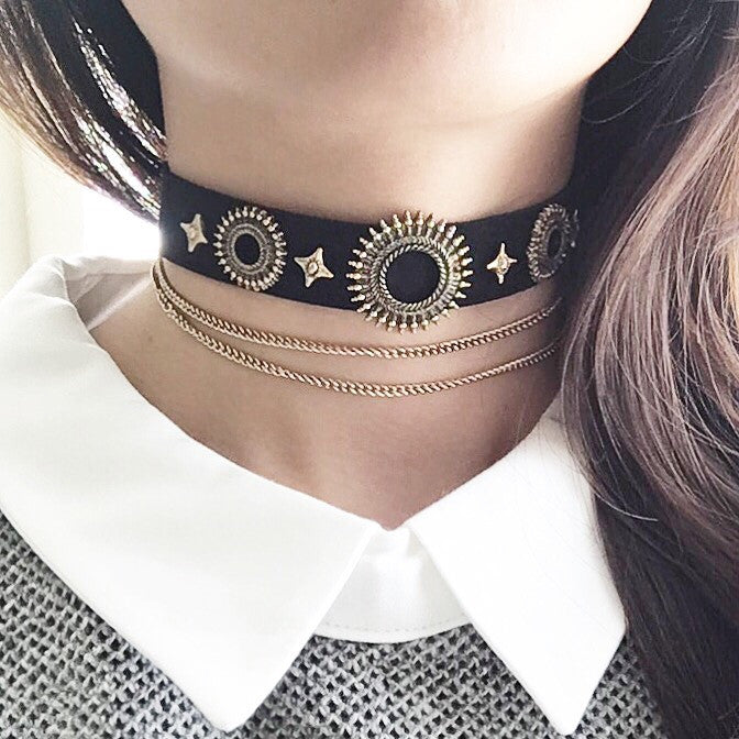 On pointe choker necklace (2 colors)