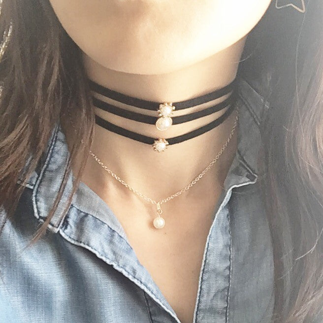 Pearl layer choker necklace