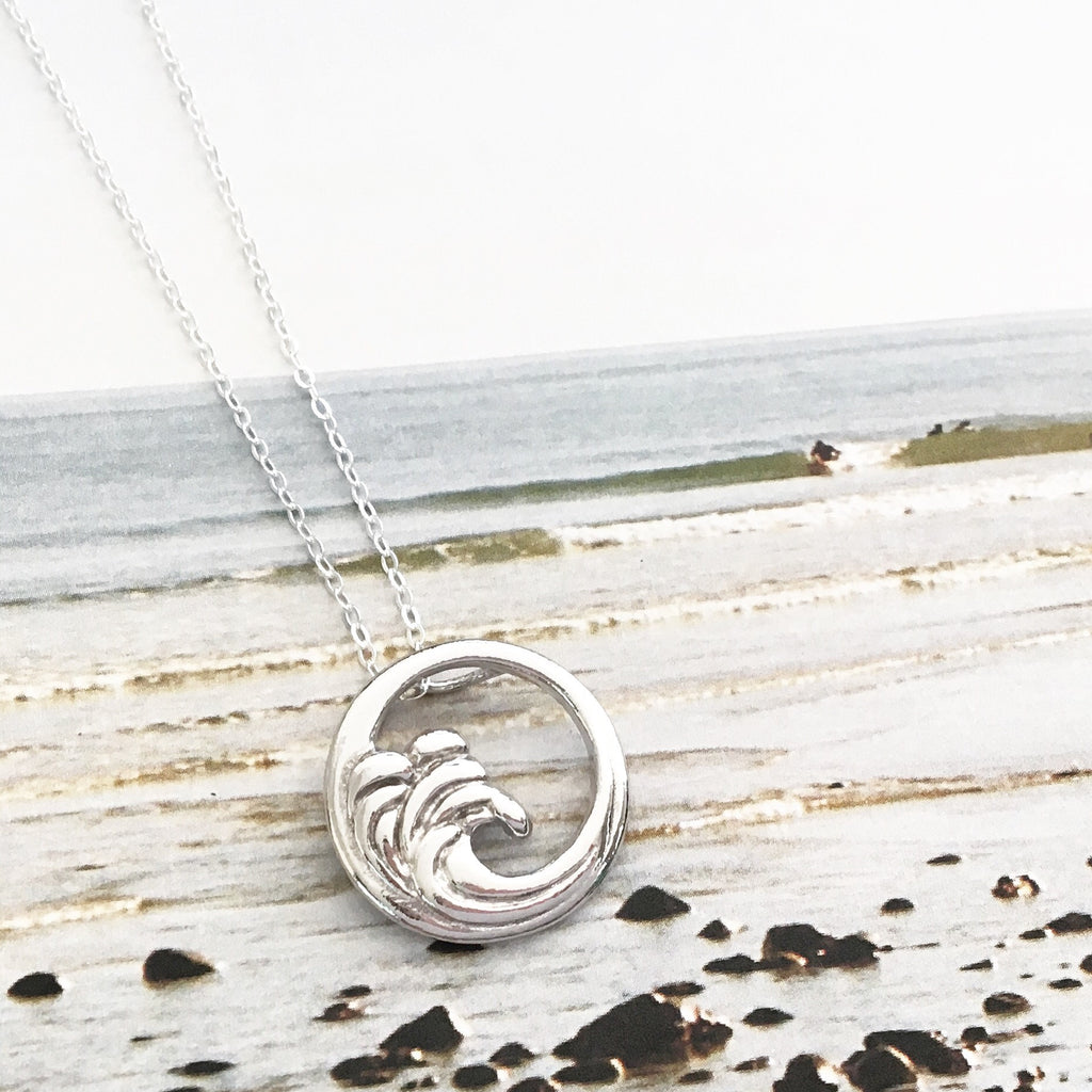 Waves sterling silver necklace