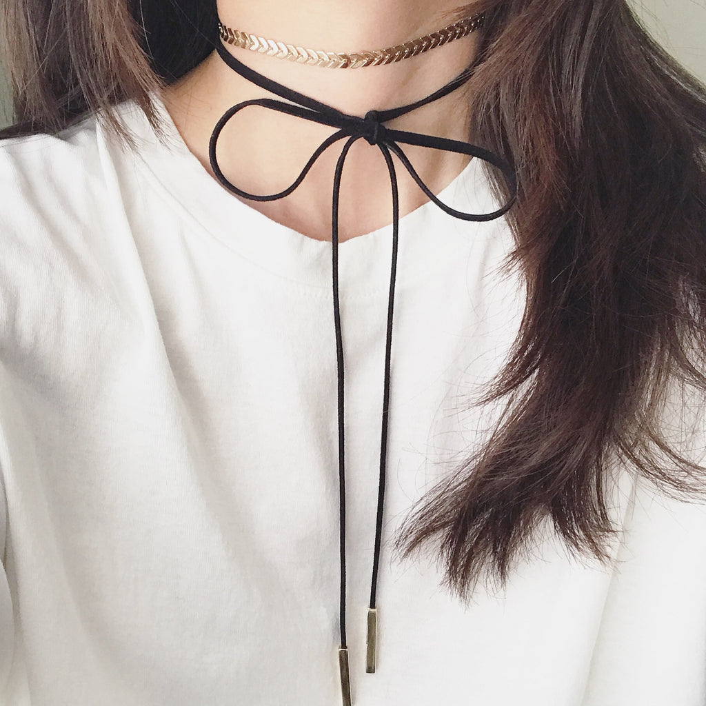 Chevron metallic layer choker