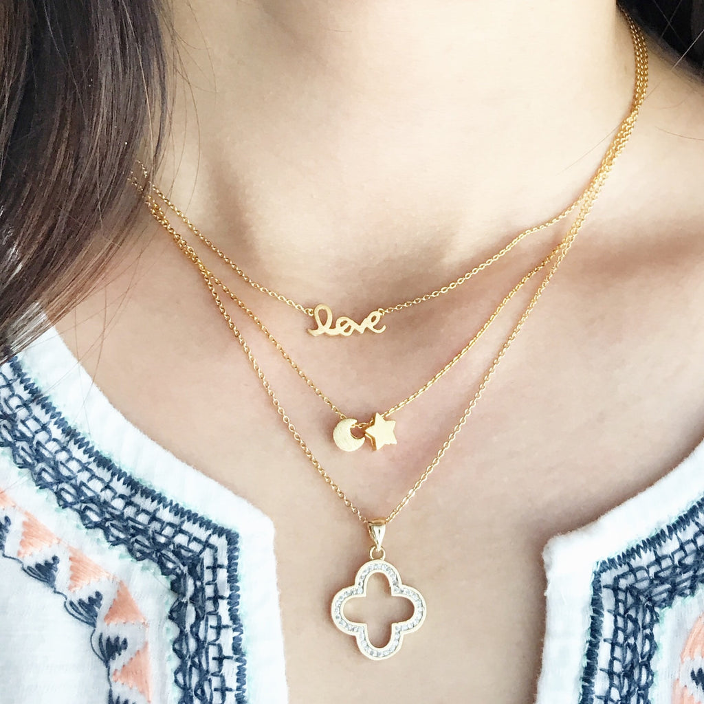 Clover stone necklace