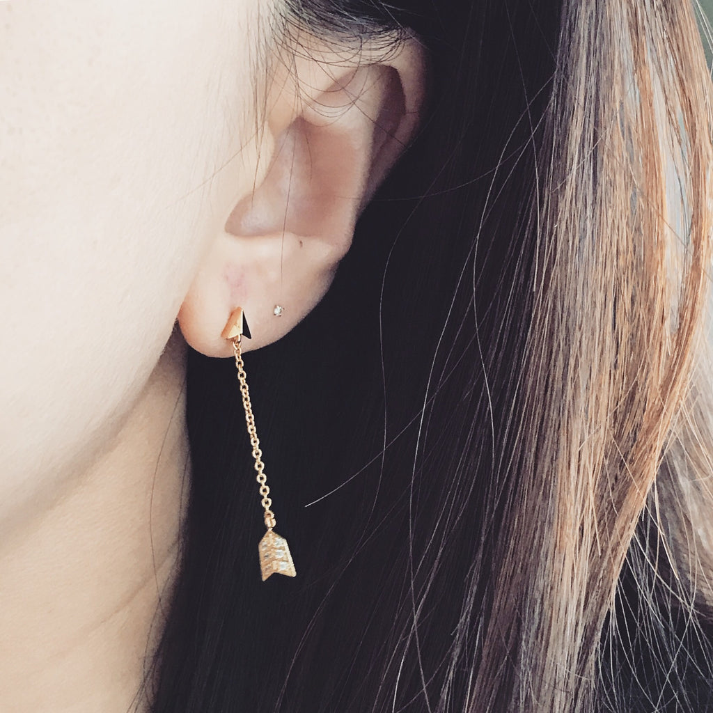 Arrow stone earrings