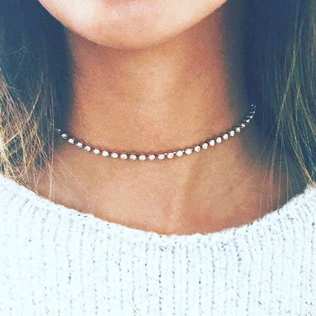 Simple diamond choker