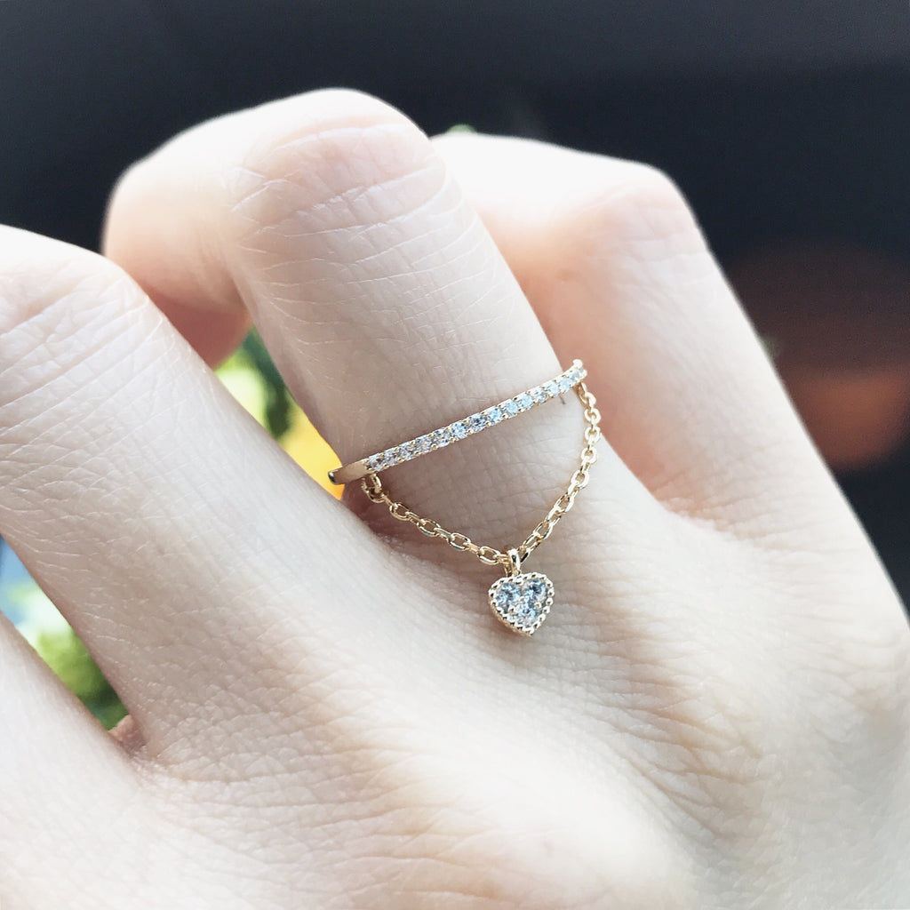 Heart charm band ring