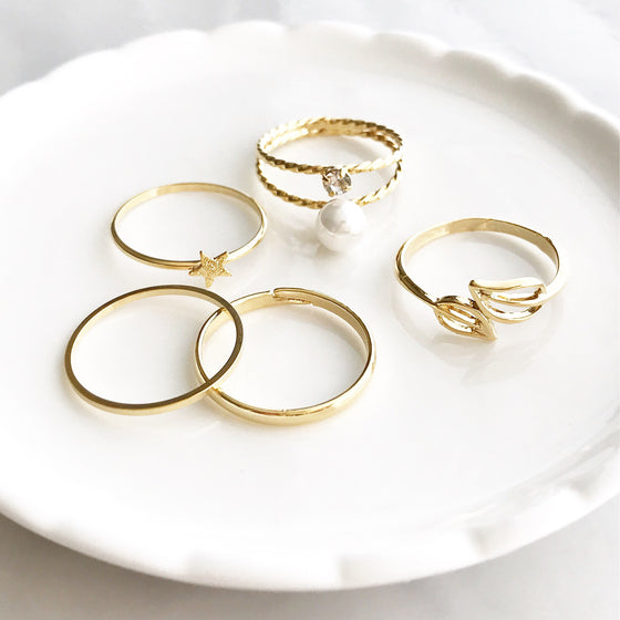Pearl multi rings set