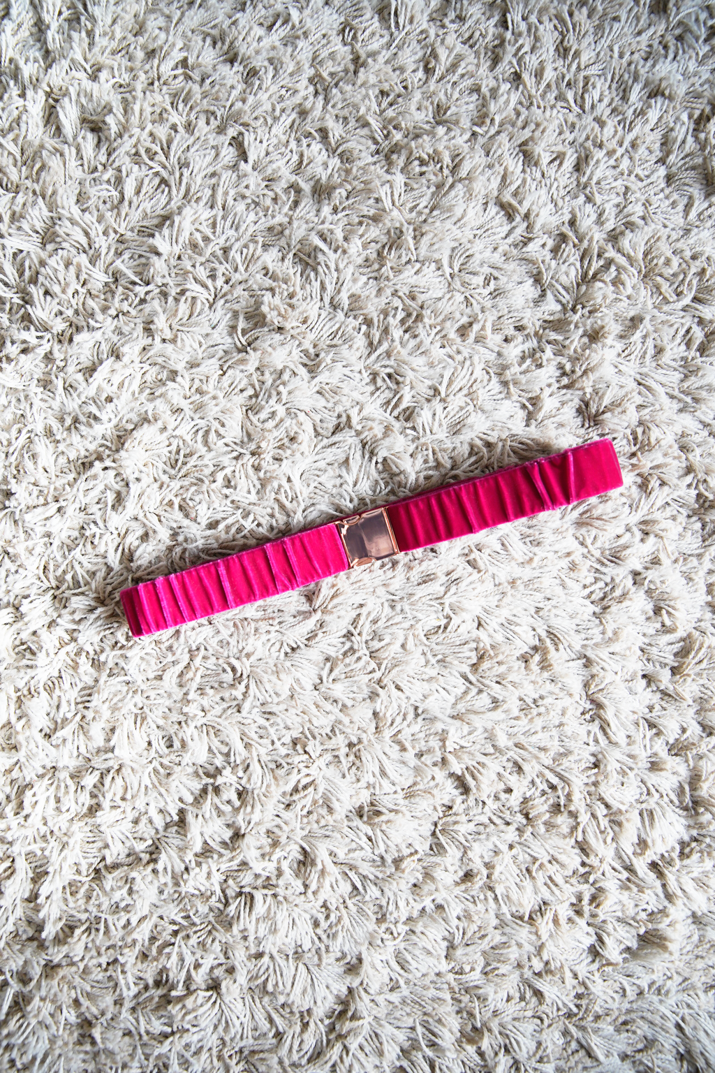 Ceinture sur-mesure en velours coloré rose fushia made in france