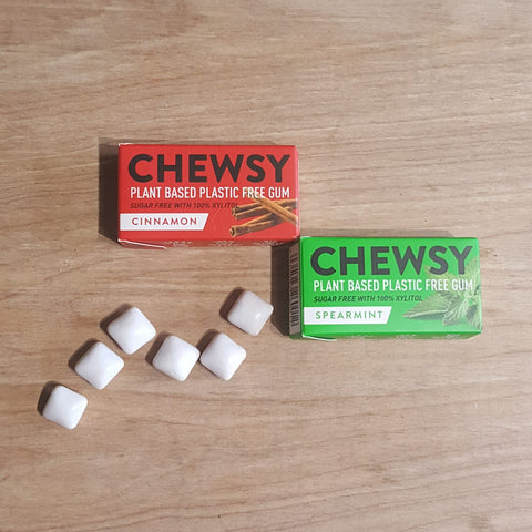 Chewsy plastic free chewing gum, cinnamon and spearmint, open