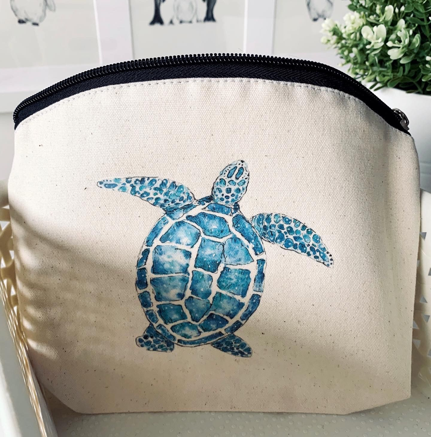 Whale Tail Art cotton wash bag - Turtle