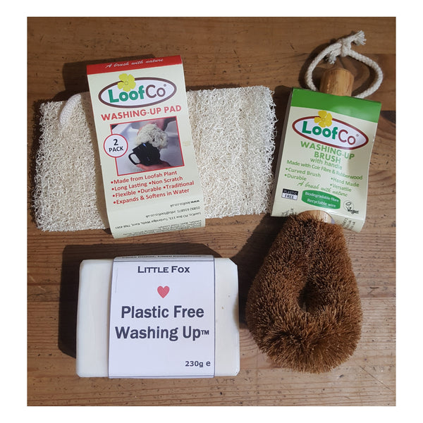 Plastic-free washing up, washing up brush, loofah pad and washing up soap