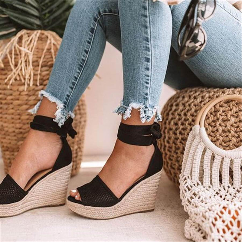 Fashion Wild Hollow Wedge Sandals