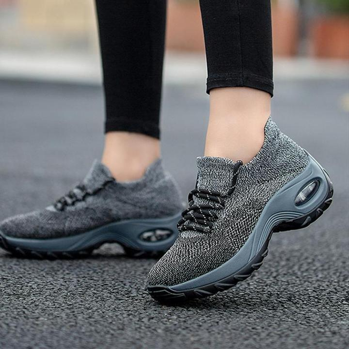 Plus Size Women's Solid Color Sneakers