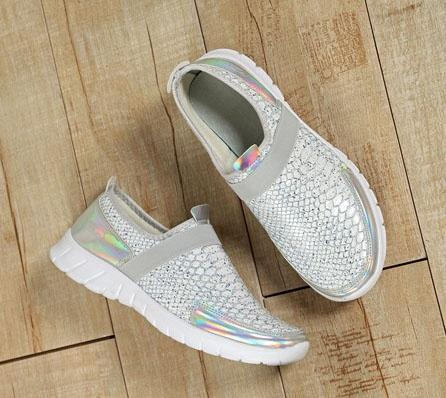 Slip-On Retro Comfort Sneakers