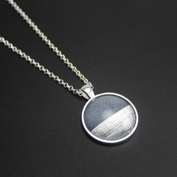 Samba Silver Linings Medium Pendant Necklace (Silver & Charcoal)