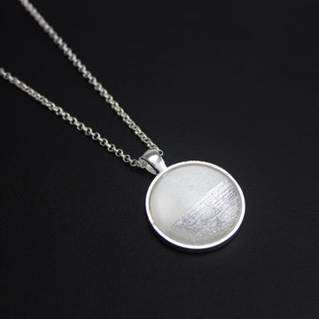 Samba Silver Linings Medium Pendant Necklace (Silver & Ivory)