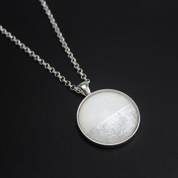 Samba Silver Linings Large Pendant Necklace (Silver & Ivory)