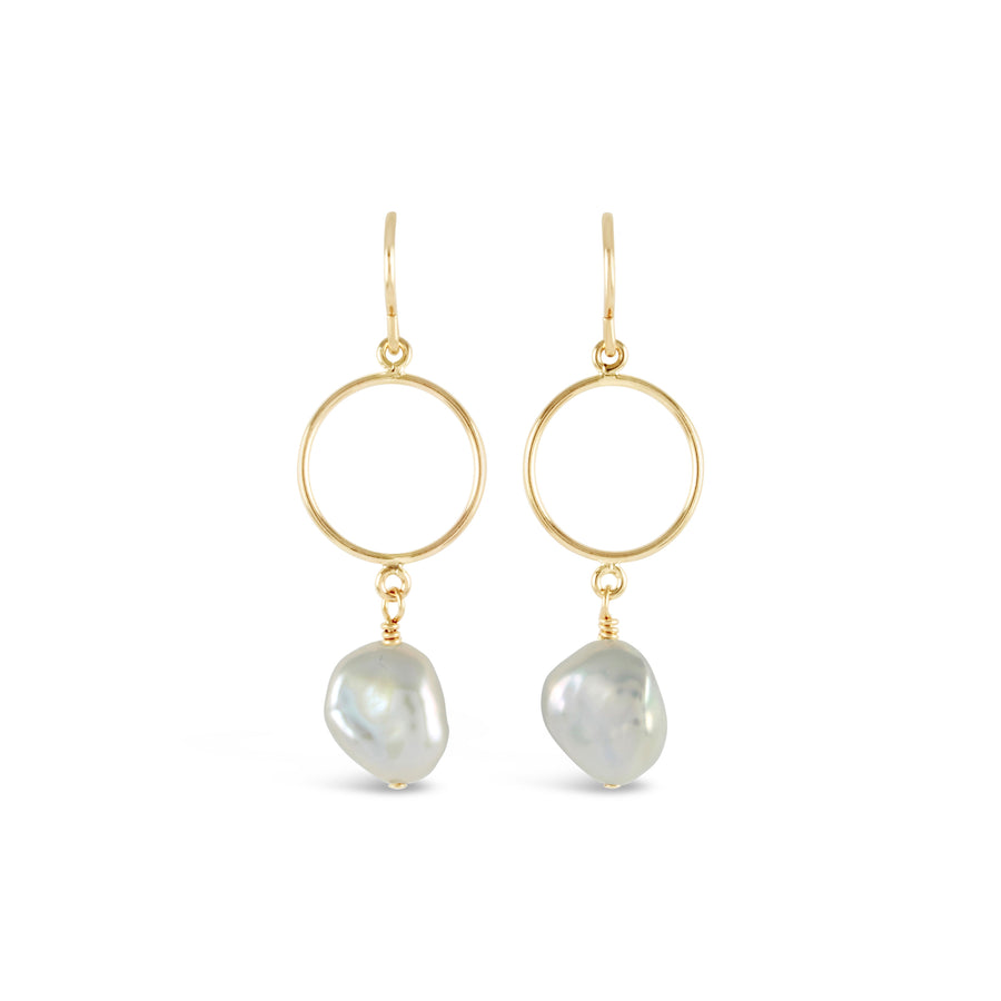 Contemporary Waltz Gold Ring Pearl Earrings