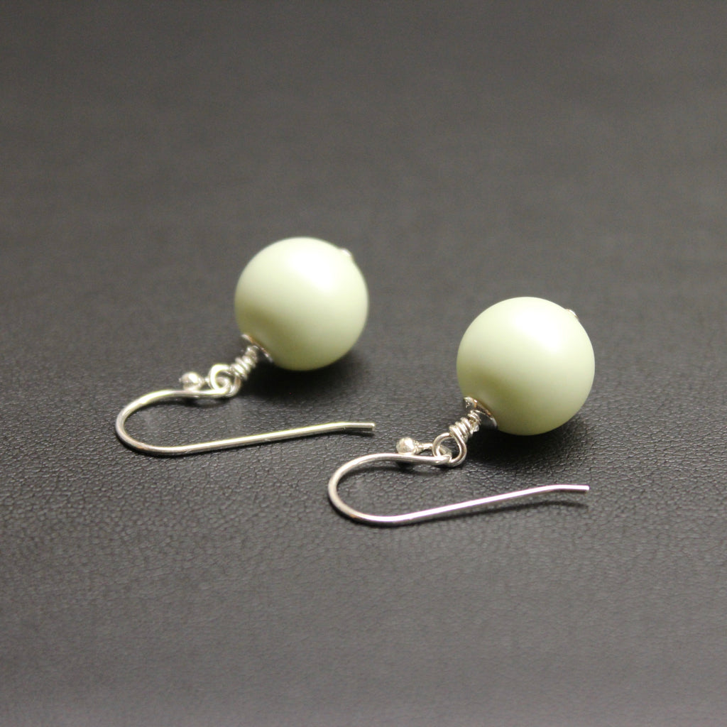 Vogue Bud Drop Pearl Earrings (Pastel Green)