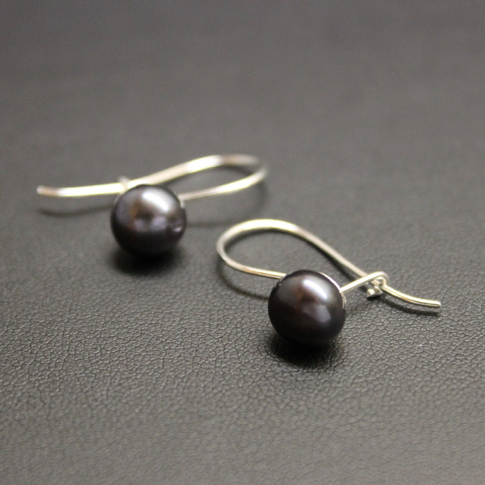 Waltz Freshwater Pearl Sterling Silver Earrings (Black)